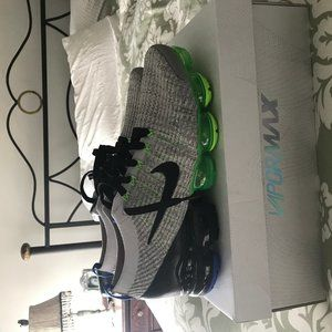Nike Shoes - Nike Air Vapormax Flyknit 3